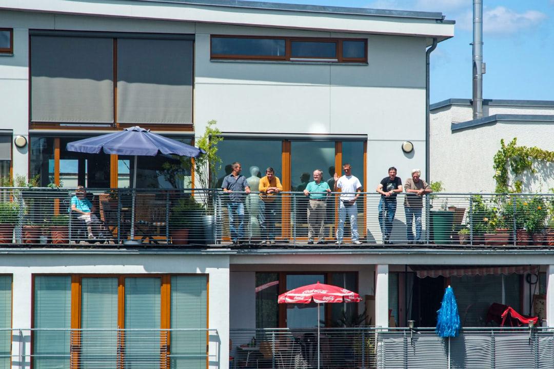 Die Terrasse der Wohnstätte in Kollwitzkiez